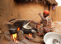 Woman at the pot in Achunbunyo