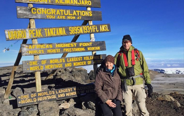Äntligen uppe på toppen av Kilimanjaro