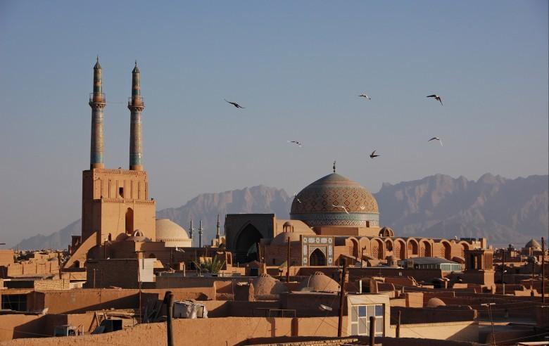 Stilla skymning i ökenstaden Yazd