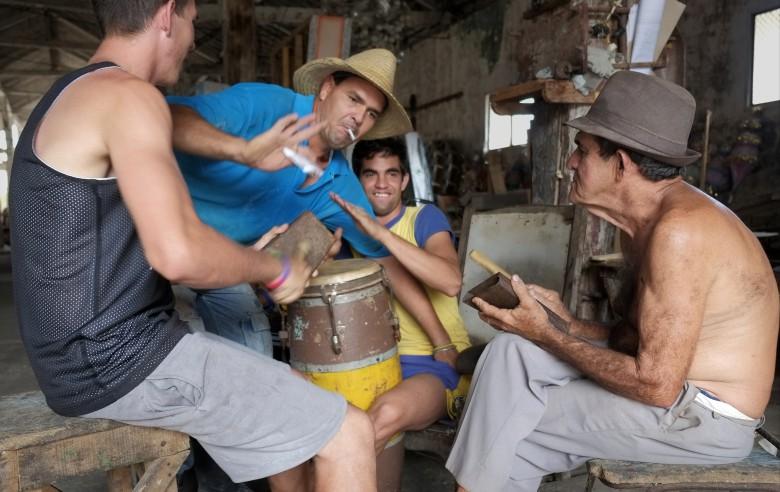 Musiken finns överallt på ön